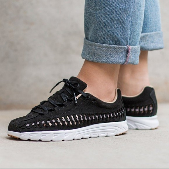 e4f6770d19a1 Nike Mayfly Woven Black Sneakers Sz 6.5. M 5a7f8e44c9fcdf586851e893